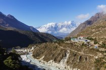 Village Pangboche in mountains, Sagarmatha National Park, Khumbu Valley, Nepal, Himalayas, Asia — Stock Photo