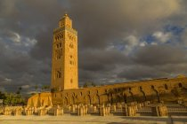 Koutoubia Mosque against stormy sky, Marrakesh, Morocco, North Africa, Africa — Stock Photo