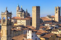 Tower of San Pangrazio and Saint Alessandro Cathedral, Bergamo, Lombardy, Italy — Stock Photo