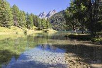 Lai da Palpuogna lake in summer, Albula Pass, Engadine Valley, Graubunden, Switzerland — Stock Photo