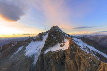 Montanha de Monte Disgrazia ao pôr do sol — Fotografia de Stock