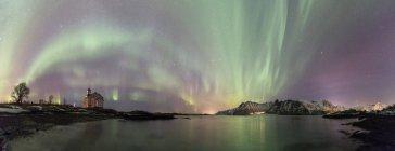 Panoramic of Northern lights on Gimsoy, Gimsoyand, Vagan municipality, Lofoten Islands, Nordland, Norway, Europe — Stock Photo