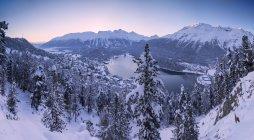 Озеро Saint Moritz покриті снігом взимку, Енгадині кантоні Граубюнден, Швейцарія — стокове фото