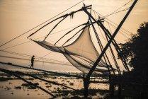 Reti da pesca tradizionali cinesi all'alba, Fort Kochi (Cochin), Kerala, India, Asia — Foto stock