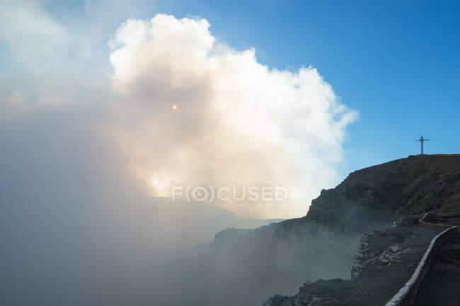 Cratere principale della caldera del vulcano Masaya — Foto stock