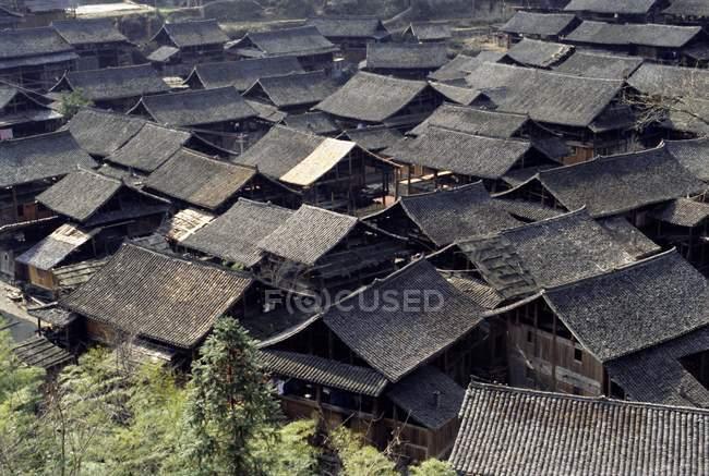Dächer von Dong Dorf — Stockfoto