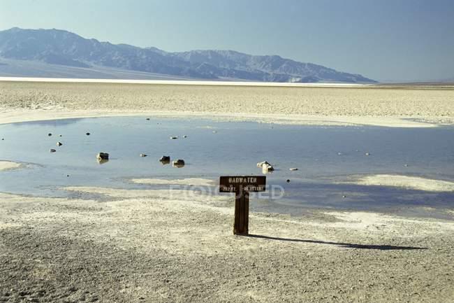 Osservando la vista di Badwater — Foto stock