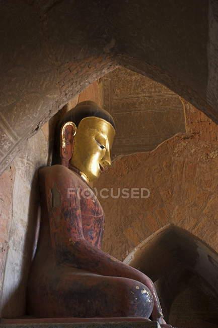Frescos y la imagen de Buda - foto de stock