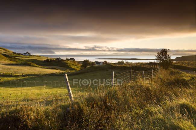 Vue de l'aube près de Staffin — Photo de stock