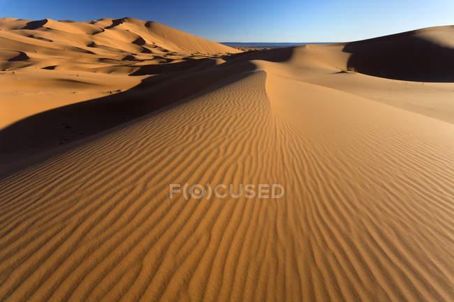 Orangefarbenen Dünen und Sand Wellen — Stockfoto