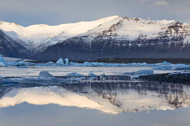Jokulsarlon glacial lagoon — Stock Photo