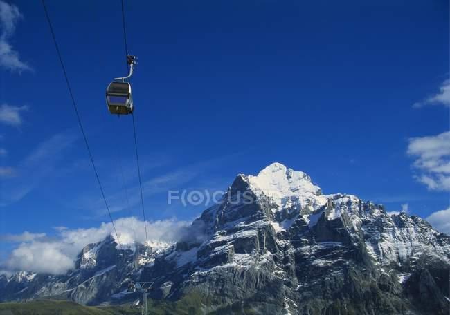 Seilbahn und Berge Wetterhorn — Stockfoto