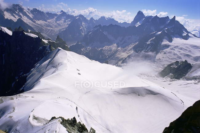 Montanha morro coberto de neve — Fotografia de Stock