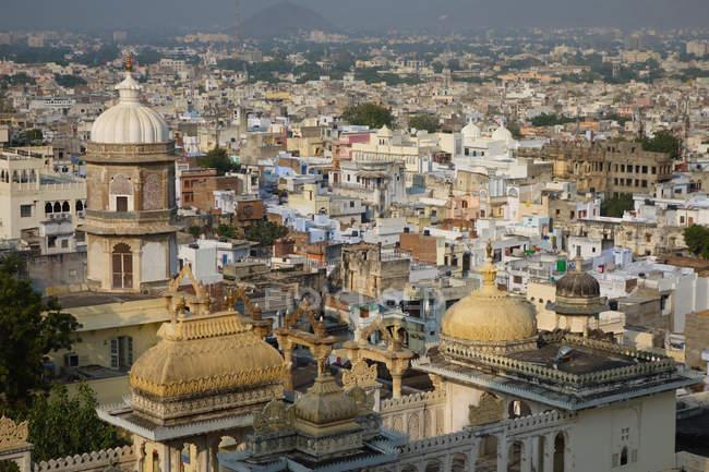 Vista de la ciudad de Udaipur, India - foto de stock