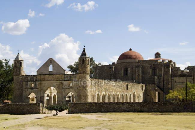 Монастир та церква Cuilapan — стокове фото