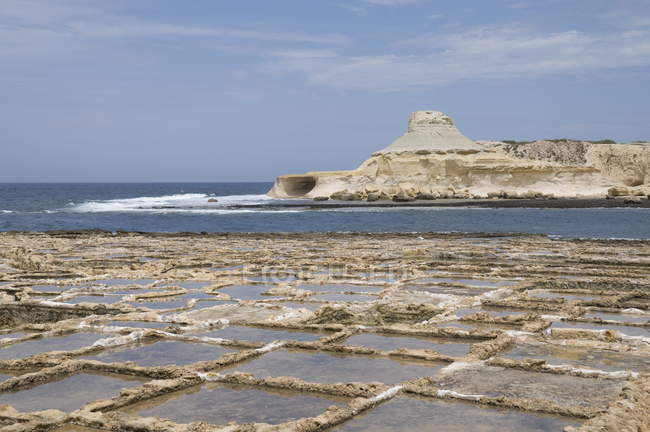 Salinen bei Qbajjar — Stockfoto