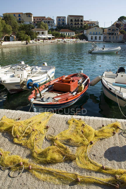 Boote in der Nähe von pier — Stockfoto