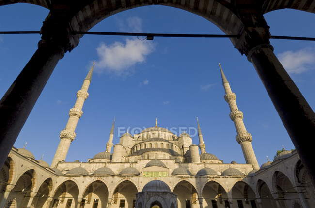 Blue Mosque with domes and minarets — Stock Photo
