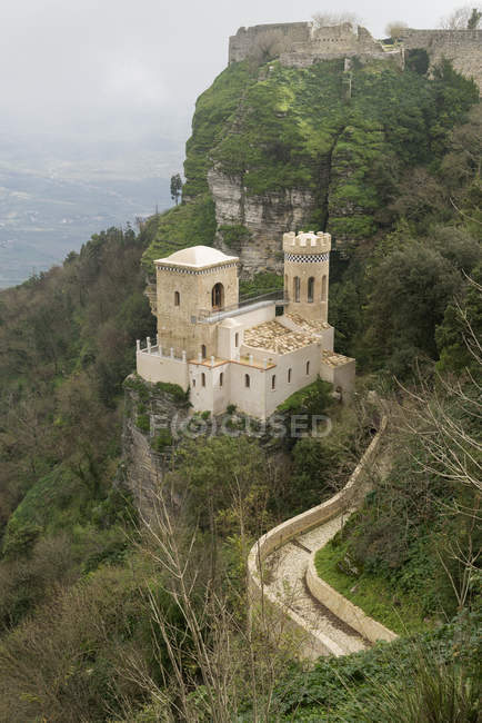 Venus Castle over lush trees on rock — Stock Photo