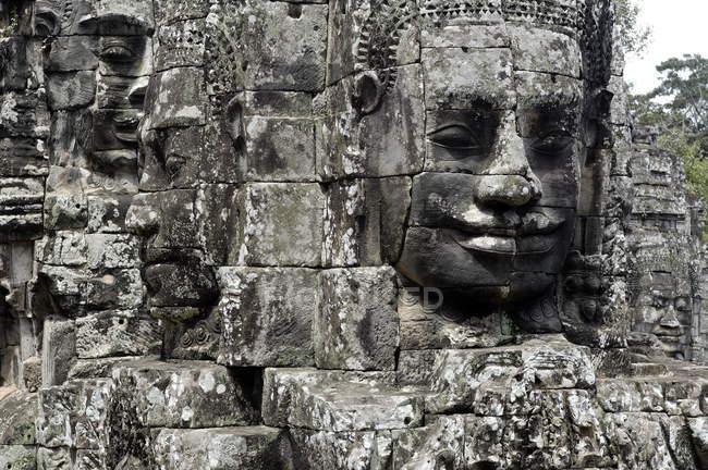 Bassorilievo del volto del Tempio di Ta Prohm — Foto stock