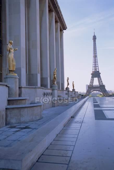 Вид на площади Трокадеро и Эйфелевой башни — стоковое фото