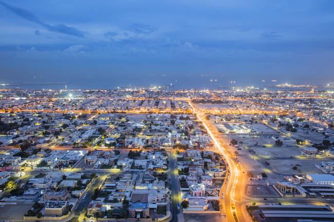 Дубай Вечерний вид на море — стоковое фото
