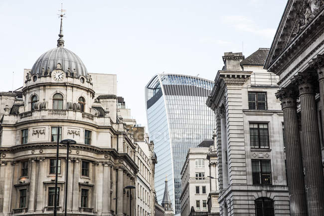 Observing view of London architecture — Stock Photo