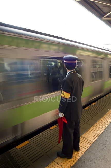 Conducteur de plate-forme et de la rame de métro — Photo de stock