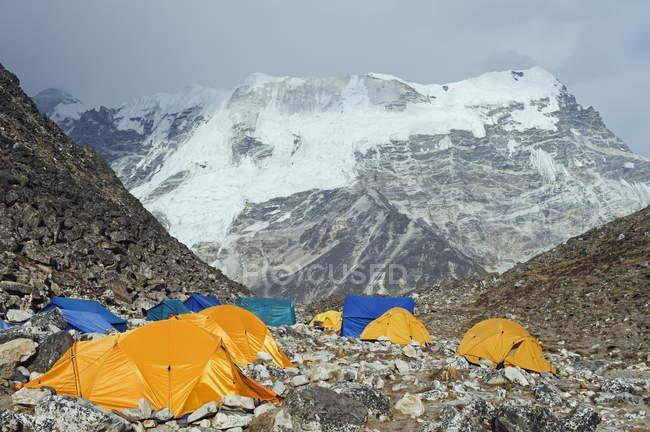 Tentes au Camp de Base Island Peak — Photo de stock