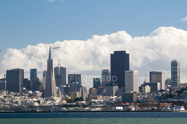 Toits de la ville de san francisco — Photo de stock