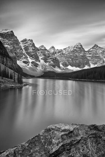 View of Moraine Lake — Stock Photo