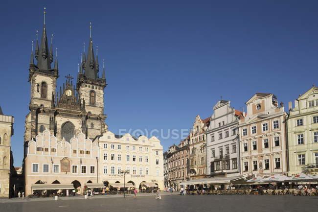 Place de vieille ville à prague — Photo de stock