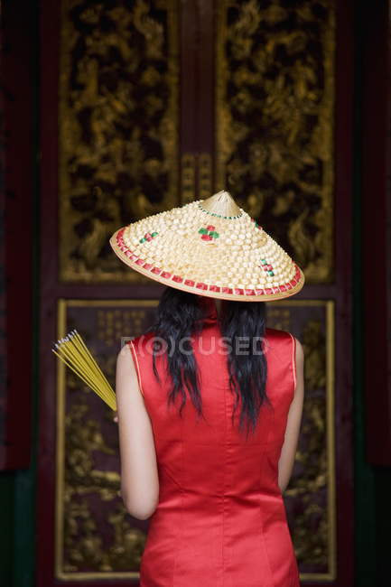Жінка на людина храм Mo — стокове фото