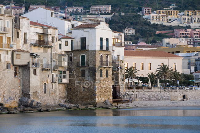 Fishermens Häuser in Cefalu — Stockfoto