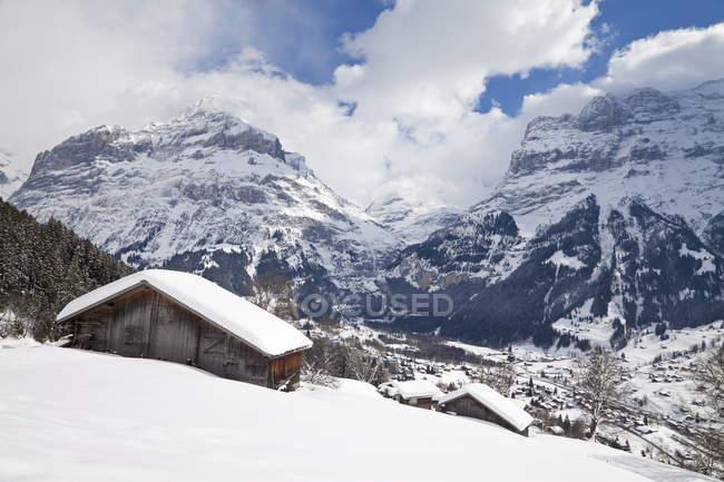 Grindelwald und Wetterhorn Berg — Stockfoto