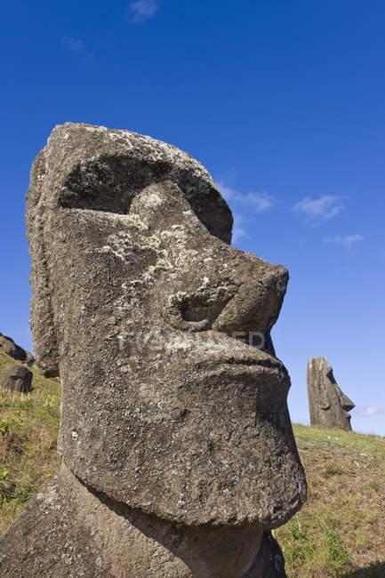 Giant monolithic stone Moai statues — Stock Photo