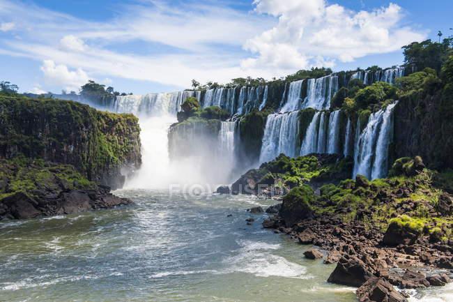 Più grandi cascate Foz de Iguazu — Foto stock
