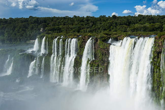 Largest waterfalls Foz de Iguazu — Stock Photo