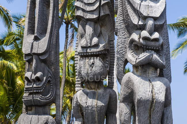 Statues en bois dans National Historical Park — Photo de stock