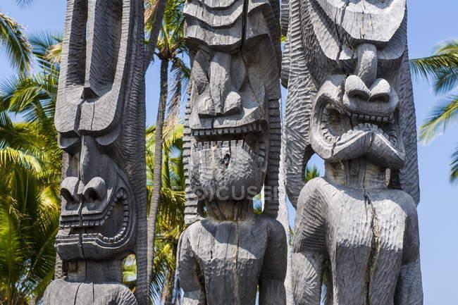 Holzstatuen in National Historical Park — Stockfoto