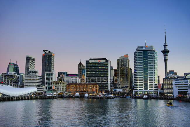 Horizonte de Auckland - foto de stock