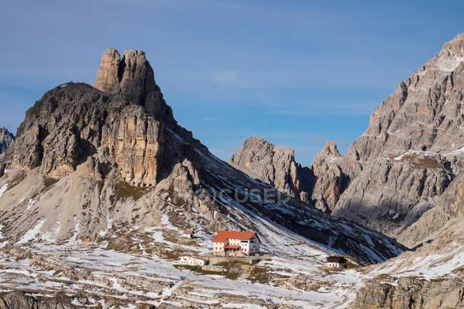 Refuge Torre di Toblino et Locatelli — Photo de stock
