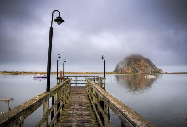 Pilastro di legno a Morro Bay — Foto stock