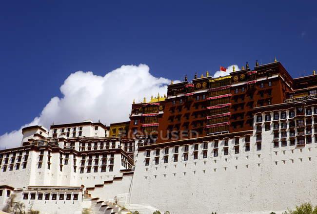 Vue sur le Palais du Potala — Photo de stock