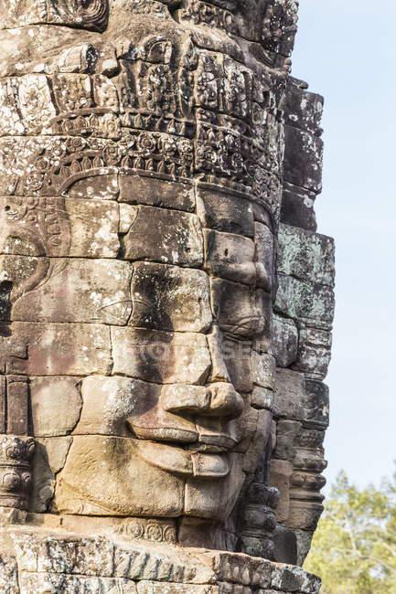 Tour de visage dans le Temple du Bayon — Photo de stock