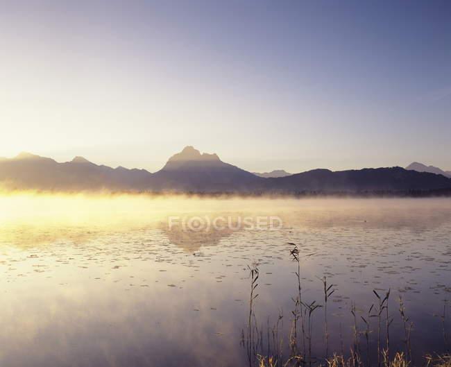 Hopfensee See bei Sonnenaufgang — Stockfoto