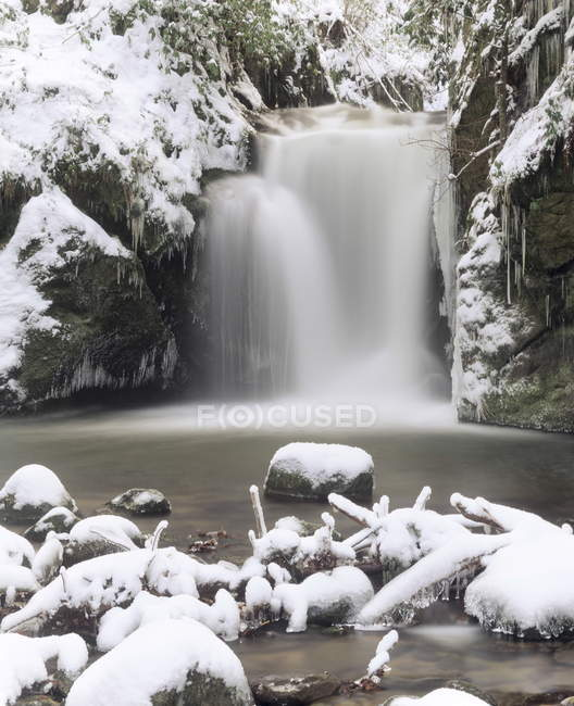 Wasserfall-Geroldsau im Winter — Stockfoto