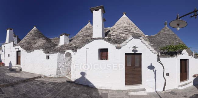 Trulli, traditional houses, Italy — Stock Photo