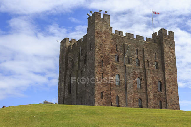 Bamburgh Cast in summer — Stock Photo