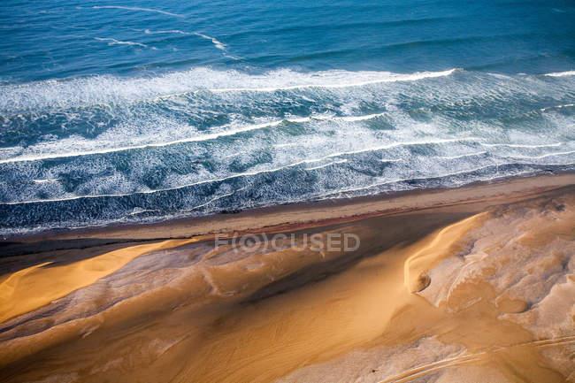 Волны Атлантического океана — стоковое фото